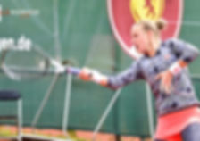 Blinkova Forehand.jpg