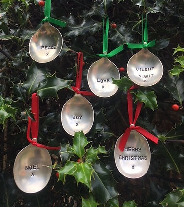 Set of 6 Christmas Tree Baubles