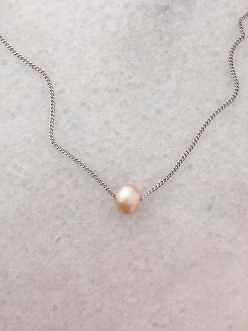 růžová perla.