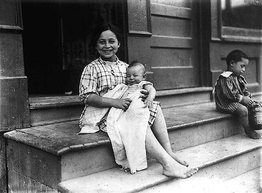 Babysitter in the Ward, William James, 1912, Fonds 1244, Item 647, City of Toronto Archives