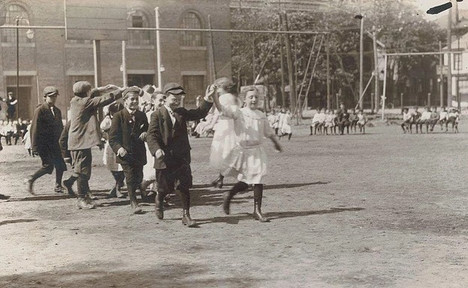Sir Roger de Coverley Spring Festival, Photographer Unknown, 1913, Fonds 1005, Item 5, City of Toronto Archives