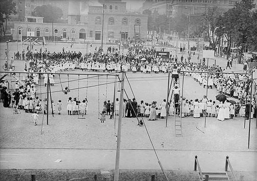 Elizabeth Street Playground, William James, ca. 1910, Fonds 1244, Item 2205, William James Family Fonds, City of Toronto Archives