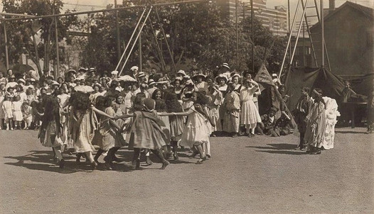 Early Years 1912-1914 May Day New Canadians or Spring Festival, Peake & Whittingham 1913, Fonds 1005, Item 7A, City of Toronto Archives
