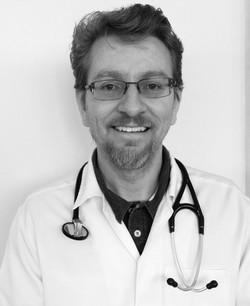 Reinaldo M. de Oliveira Jr.-Médico