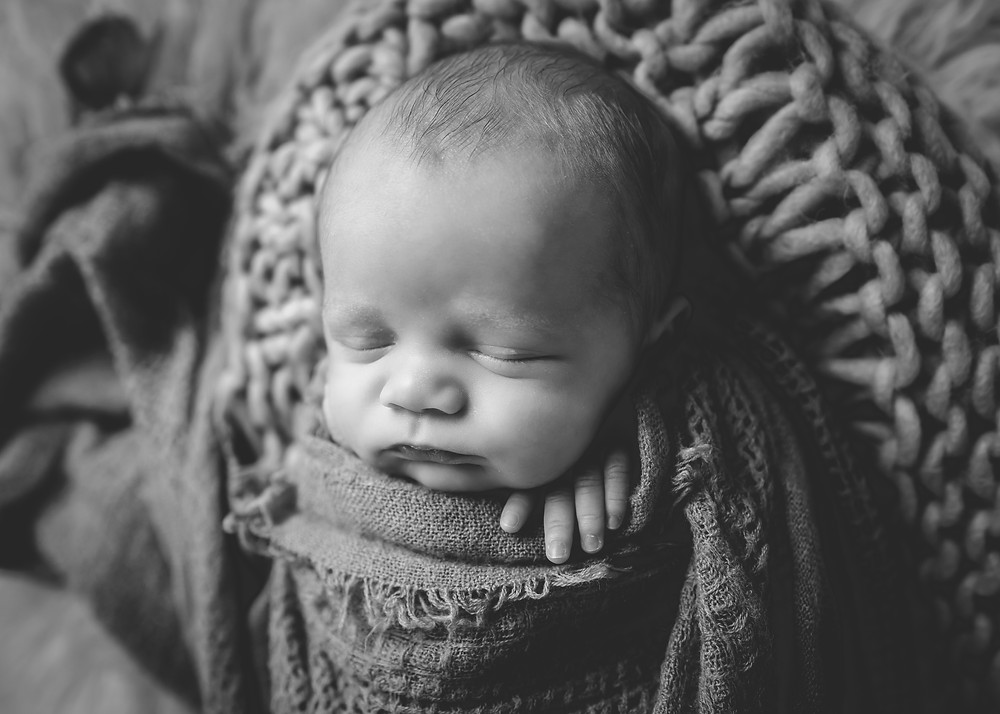 Newborn Photographer Near 19608