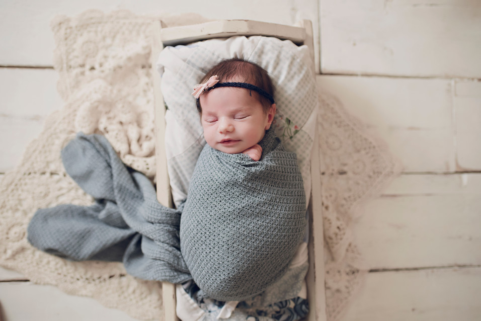 Nora, Newborn