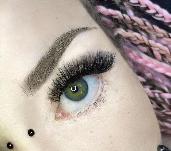 eyelash extensions montreal