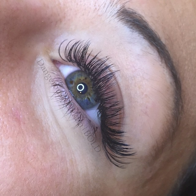 Mixed lenghts Volume lashes