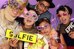 Clique Clique Photo Booth - Prop Fun