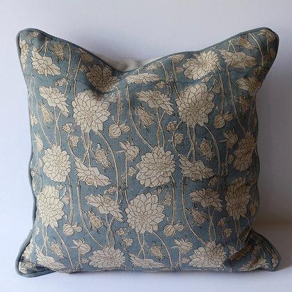 40cm Linen cushion