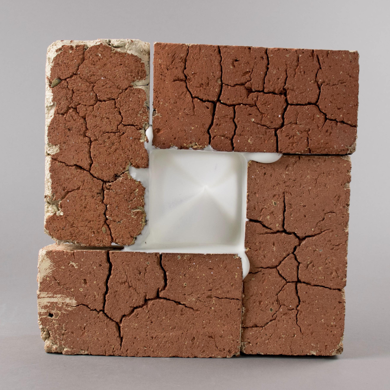 4 Red Bricks with Glaze Tube