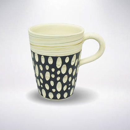 憲児陶苑 マグカップ 白練込み黒水玉