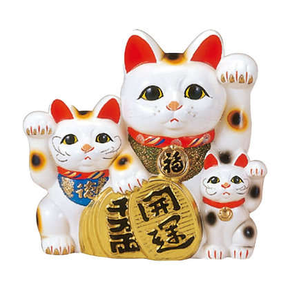 三匹猫 招き猫