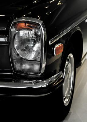 Mercedes Strich 8