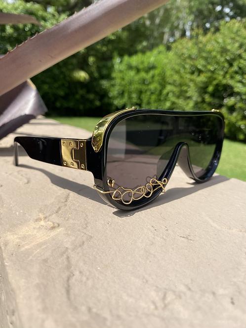 Le'Kravee Collection- Black/Gold