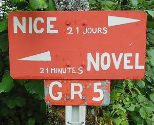 GR5-Alpes-panneau-histoire_edited.jpg