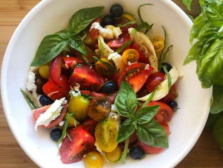 Fresh Tomato, Peach, and Blueberry Salad
