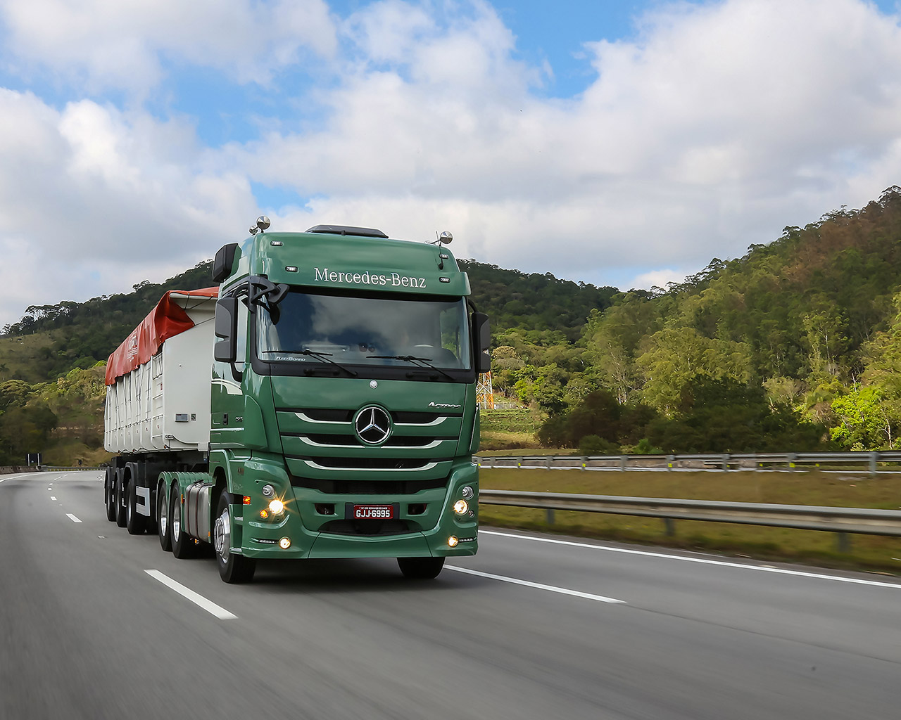 actros-2-1280
