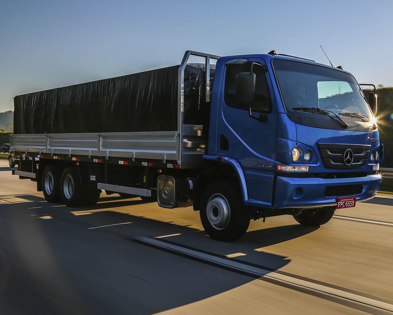 Mercedes-Benz Accelo | Irmãos Davoli
