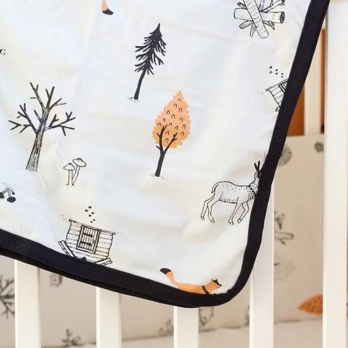 מגן ראש למיטת תינוק אפור אבן בהדפס היער הסודי