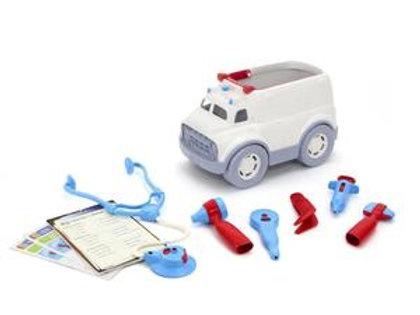 אמבולנס עם ערכת רופא green toys