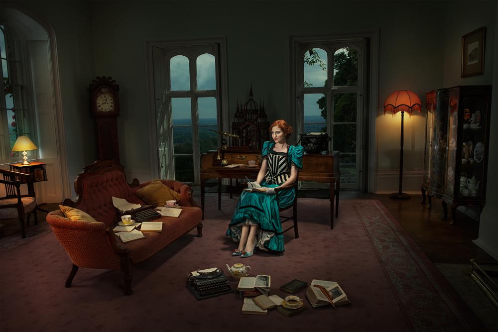 Gillian Hyland - The Author