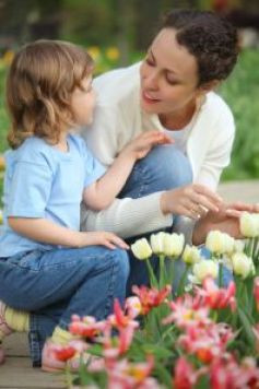 mothers-help-children-see-other-viewpoints-ss