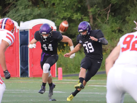 Football Loses to Hobart College