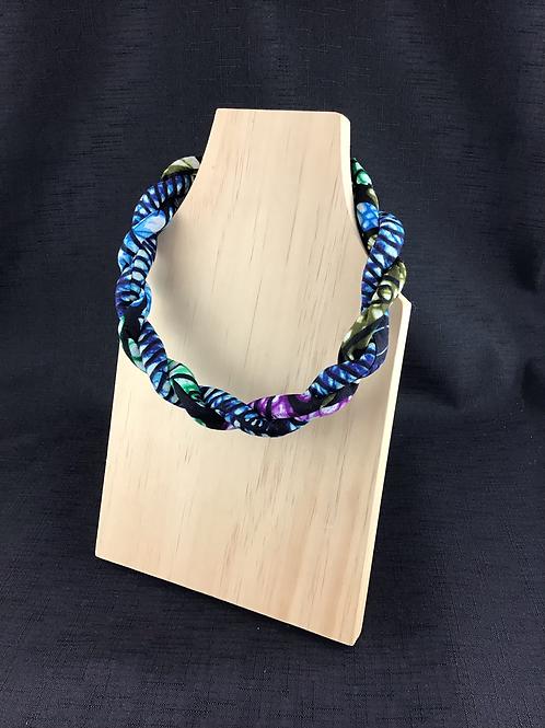 Fabric multicoloured necklace