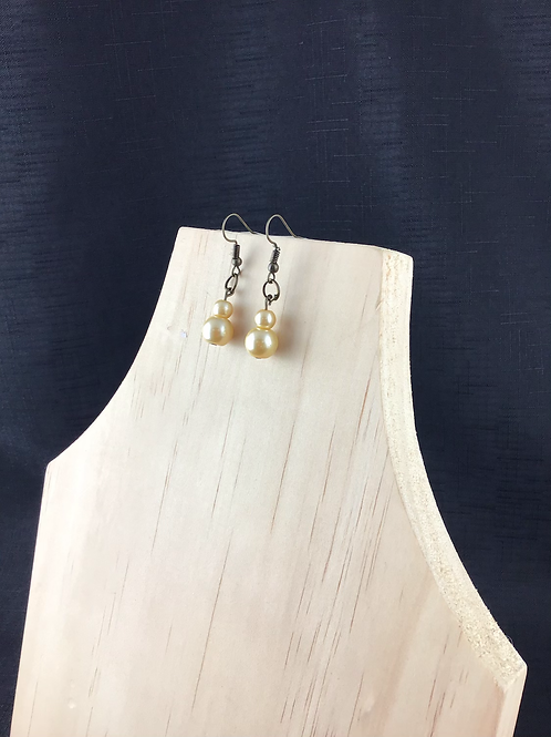 Imitation pearl bead earrings