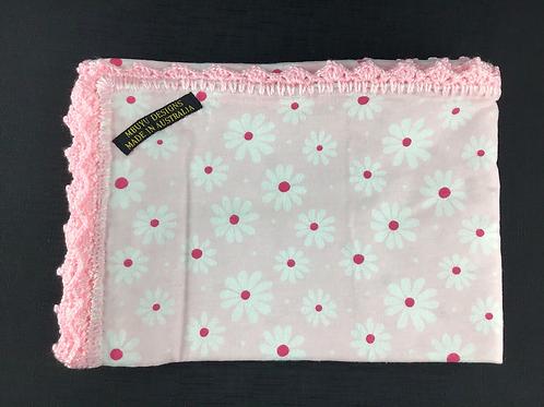 Pink daisy blanket