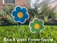 Blue & Green Flwoer Topper.png