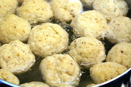 Matzah-Balls.jpg