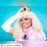 @Queen_e_cosplays