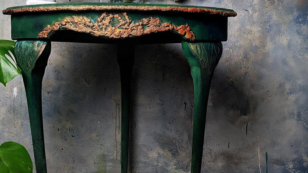 Hugo Table - Corner Table - Vintage - Hand Painted - Home Decor
