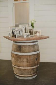 Wijnton met tafelblad