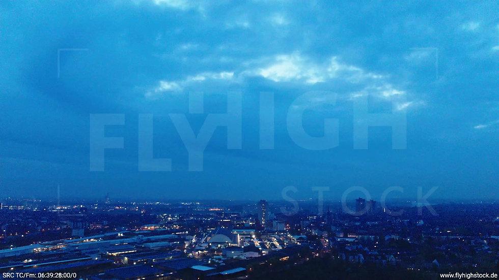 Köln Vorgebirgspark Skyline Zuflug morgens 4