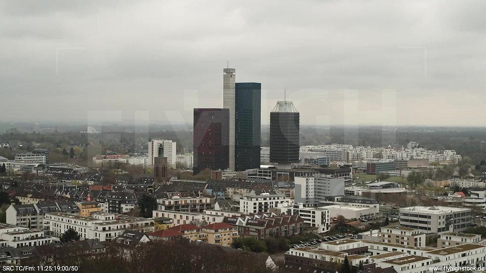 Köln Vorgebirgspark Funkhaus Skyline Zuflug tagsüber 2