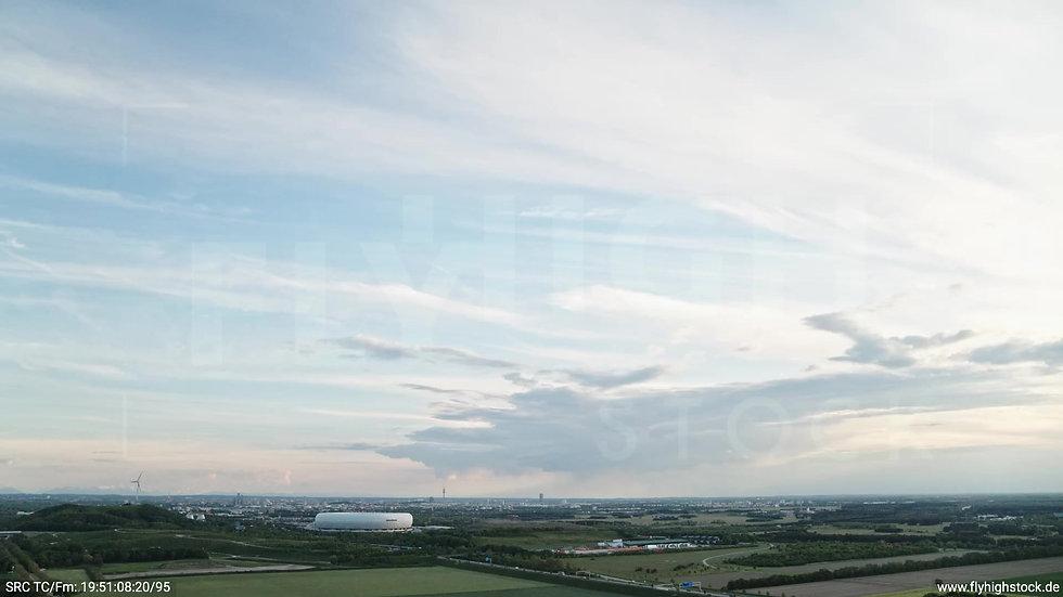 München Allianz Arena Skyline Rückflug tagsüber 8