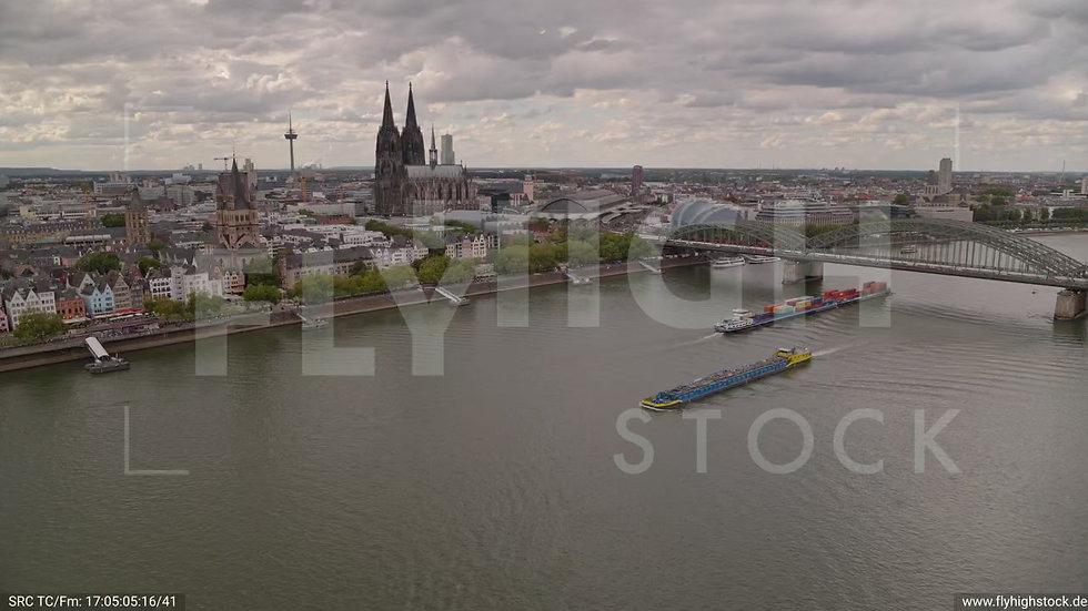Köln Kennedy-Ufer Zuflug nach unten C035_C004