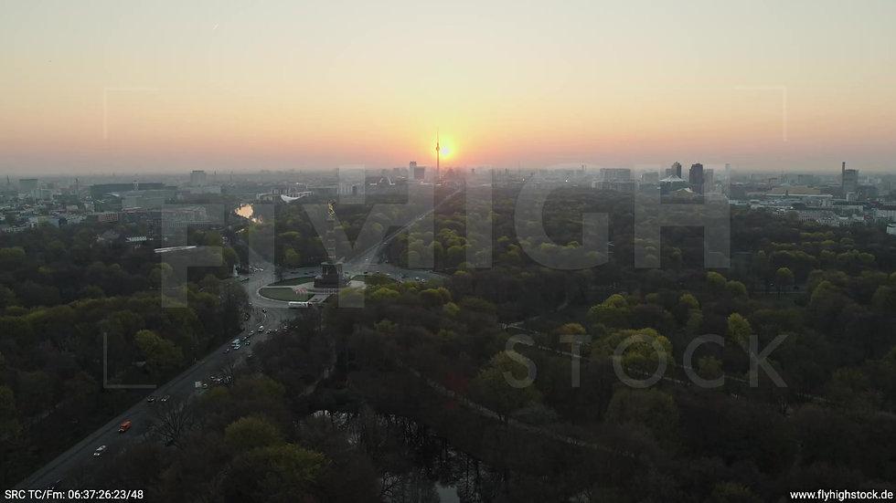 Berlin Tiergarten Skyline Rückflug morgens 9