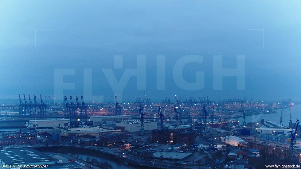 Hamburg Hafen Zuflug Industrie morgens 2