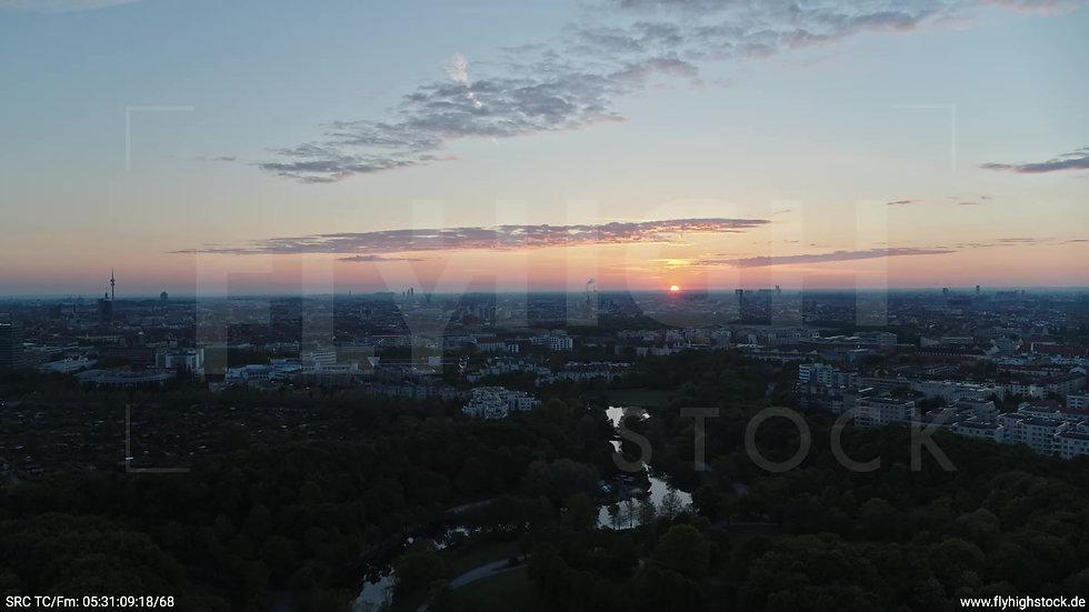 München Westpark Ost Skyline Zuflug morgens 8