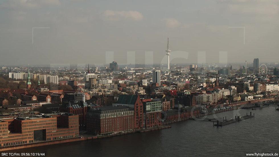 Hamburg Hafen Zuflug Skyline tagsüber 5