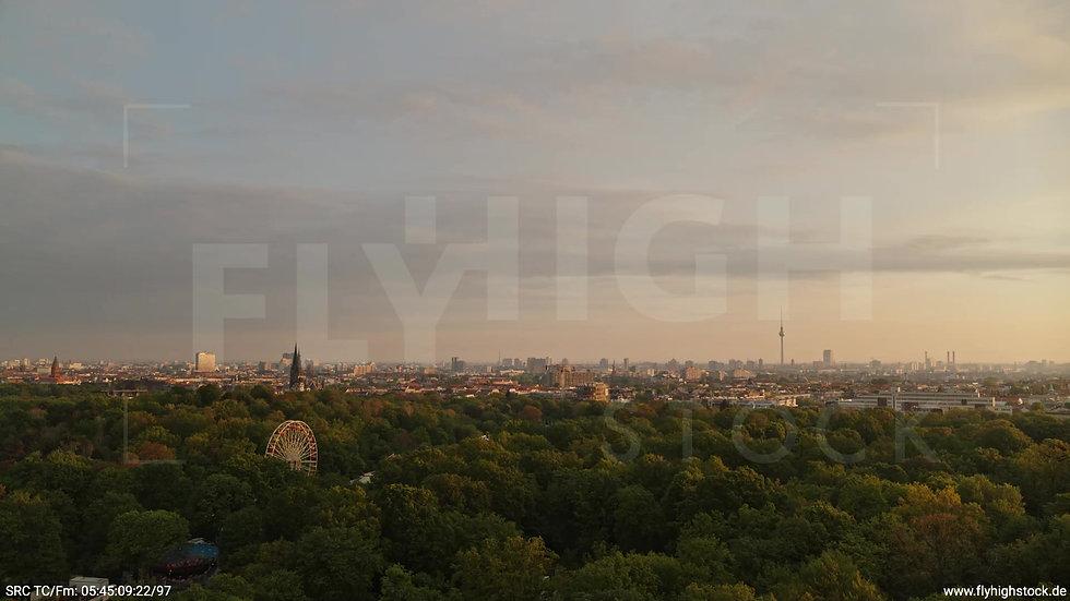 Berlin Hasenheide Skyline Zuflug morgens 6
