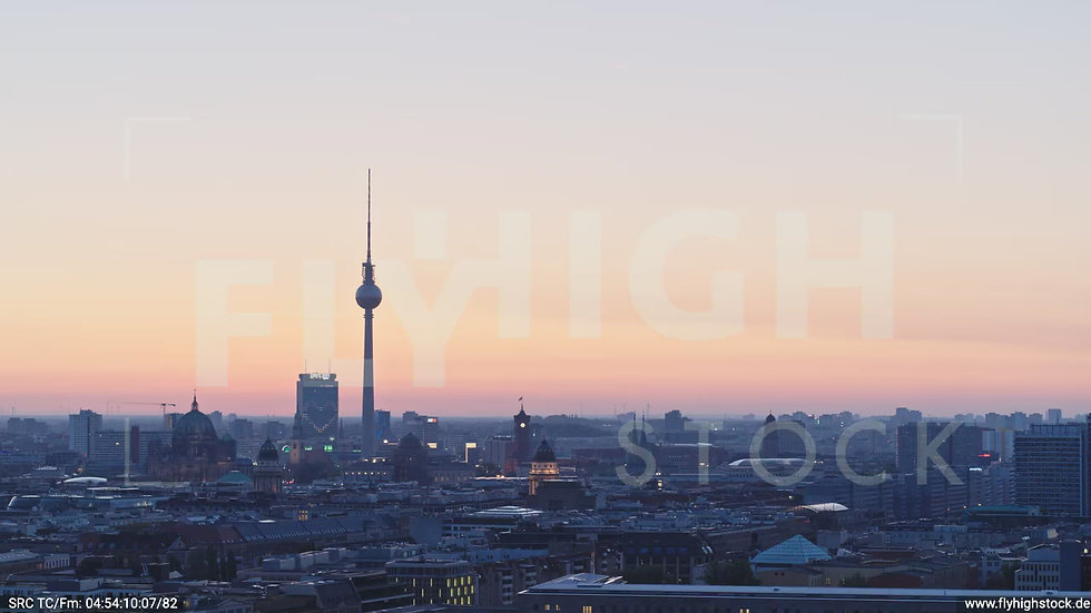 Berlin Potsdamer Platz Ost Skyline Parallelflug morgens D033_C011
