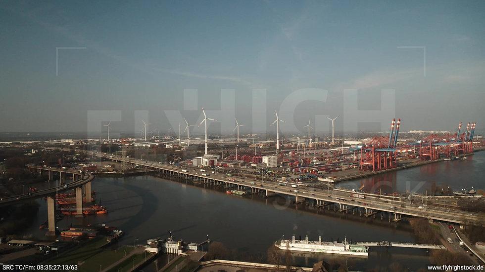Hamburg Hafen Zuflug Containerterminal morgens