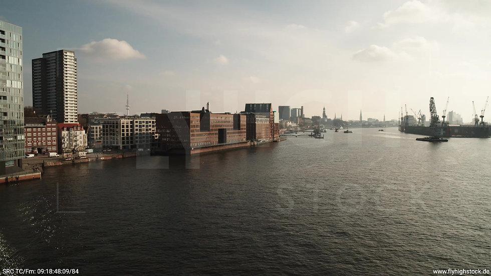 Hamburg Hafen Hub Altonaer Holzhafen tagsüber 2