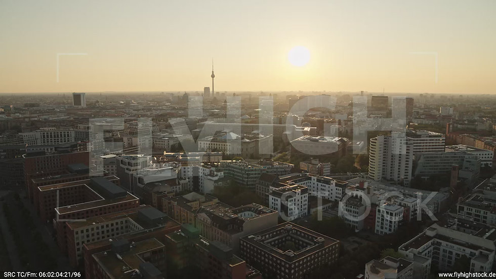 Berlin Potsdamer Platz Ost Skyline Parallelflug morgens D035_C001