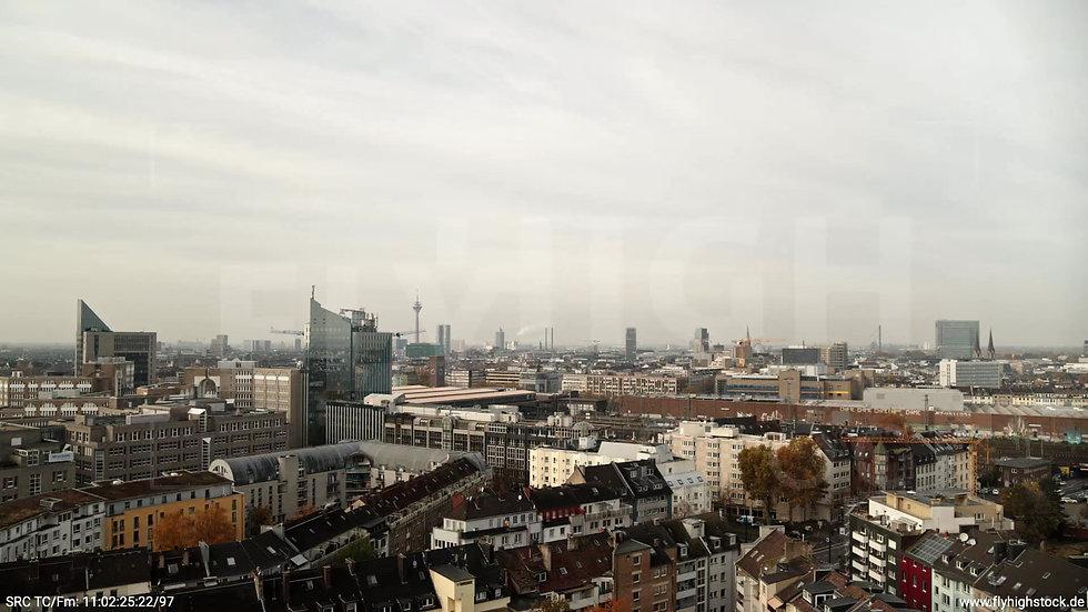 Düsseldorf IHZ-Park Skyline Parallelflug tagsüber F006_C011